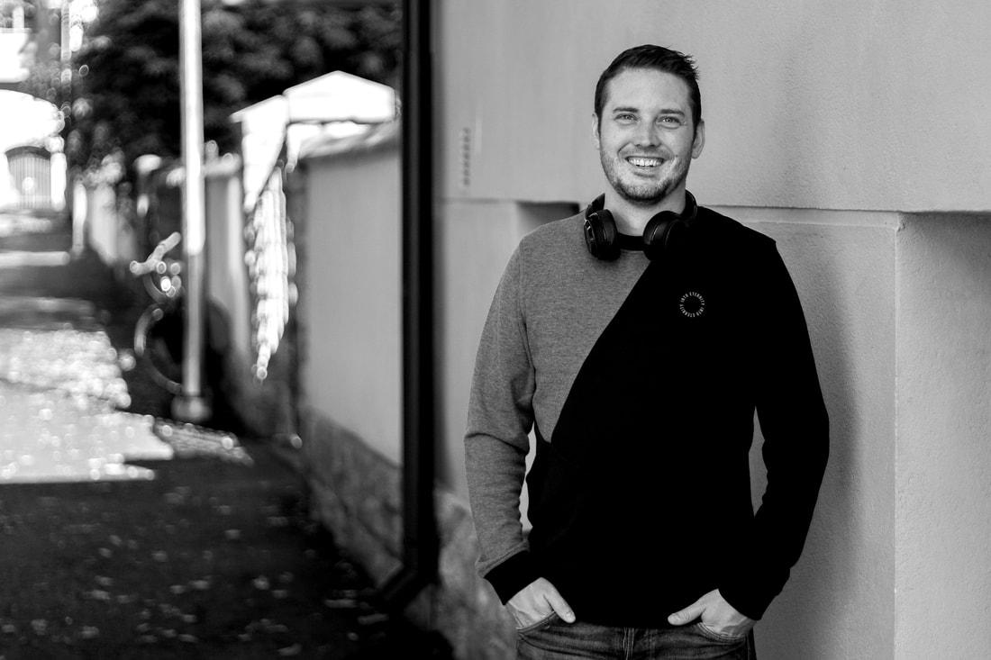 Arvostettu äänivelho Lauri Domnick hyppää radiomaailmaan